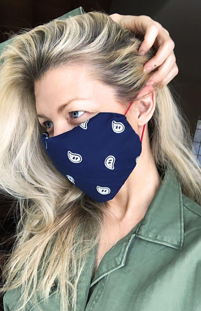 HowTo Make a NoSew DIY Face Mask Using Bandana & Hair