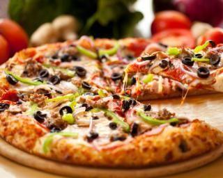 Pizza aux légumes variés