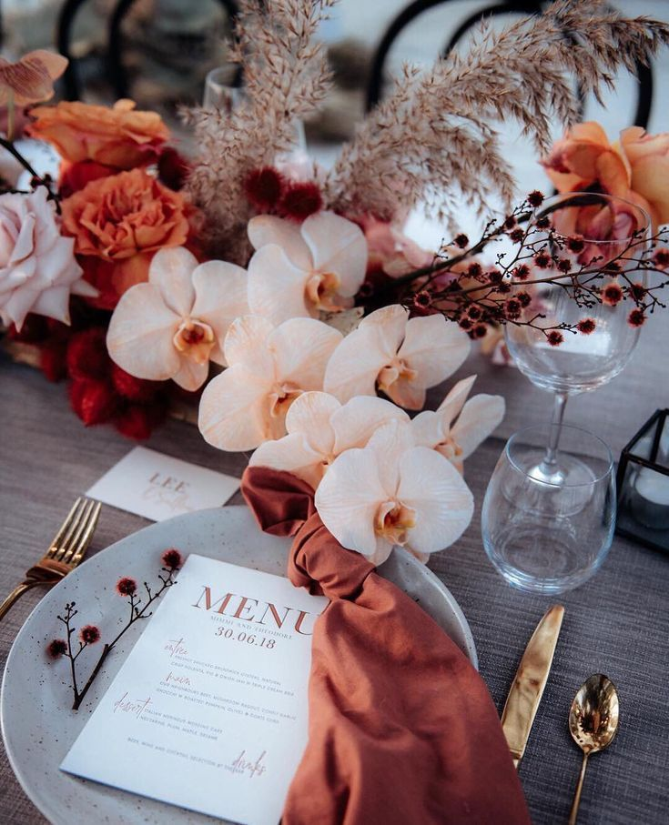 Terracotta and peach – perfect colour combination for a fall wedding table scape…