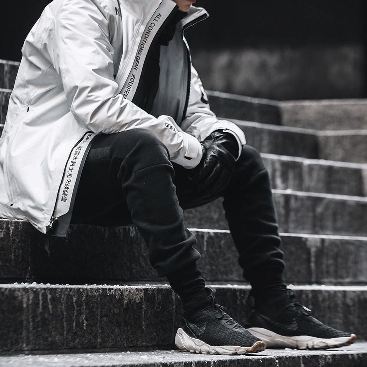 """""""#streetbeast: @nikelab ACG 2-in-1 System Jacket and @nike Air Footscape Magista Flyknits for the win.  Photo: @jayscale"""""""
