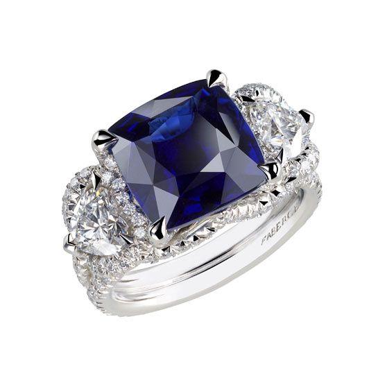 Fabergé bague Solyanka saphir http://www.vogue.fr/mode/shopping/diaporama/cadeaux-de-noel-bleu-nuit/10911/image/650933#faberge-bague-solyanka-saphir