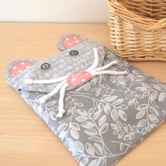 Microwaveable heating pad Rice heating bag by orangeandcoco, $20.00    #hotcoldpack #microwaveable heating pad #mouse #baby #showergift #babyshowergift