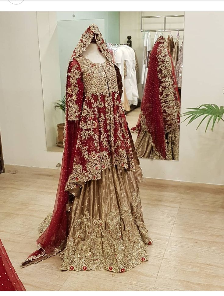 Get this fabulous  outfit by ordering at zebaishcollection@hotmail.com or WhatsApp at +923453973384 or dm at insta on zebaish_collection