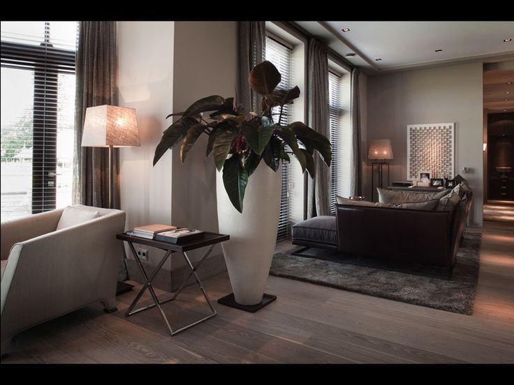 https://i1.wp.com/i.pinimg.com/736x/0f/2a/3a/0f2a3aa3c8796a6784cc7648f7ad9958--interior-ideas-modern-planters.jpg?resize=720%2C540&ssl=1