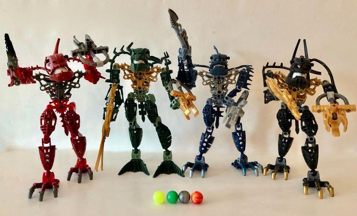 Set of 4 LEGO Bionicle PIRAKA (8900 - 8903) with Light-Up Eyes and Zamor Spheres