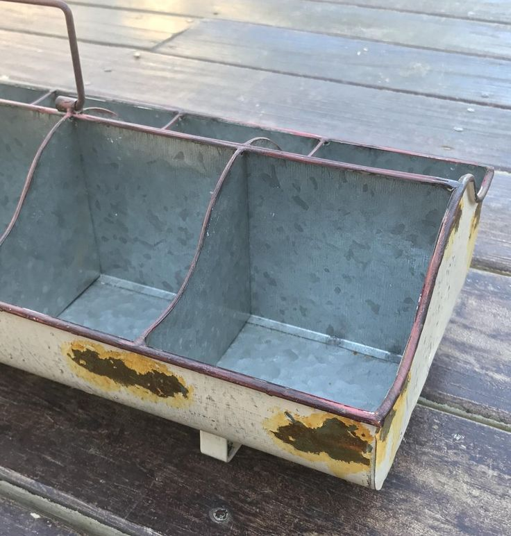 Antique White 10 Cubby Feed Trough Caddy