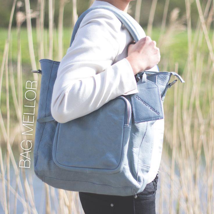 De Bag Mellor is behalve in het elephant grey, tobacco en sand nu ook uitgevoerd in deze prachtige lichtblauwe versie! Combineer deze tas met jouw zomerse outfit en laat de zon maar komen! Shop deze tas hier: http://www.thelittlegreenbag.nl/zoekartikel.asp#zoek/w-mellor/a5/handtassen/