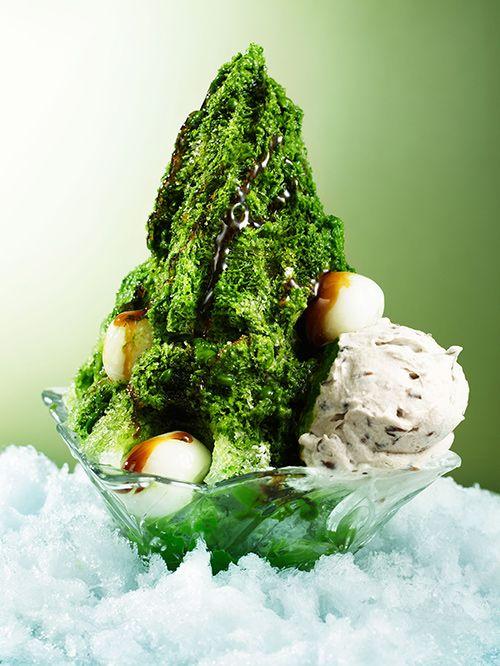 大阪・ブラザーズカフェに黄金比蜜のかき氷 - フルーツや白玉を添えての写真4