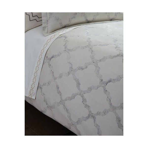 Vera Wang Queen Fretwork Duvet Cover (8 960 UAH) ❤ liked on Polyvore featuring home, bed & bath, bedding, duvet covers, light cream, vera wang bedding, fretwork bedding, beige bedding, vera wang and vera wang bed linens