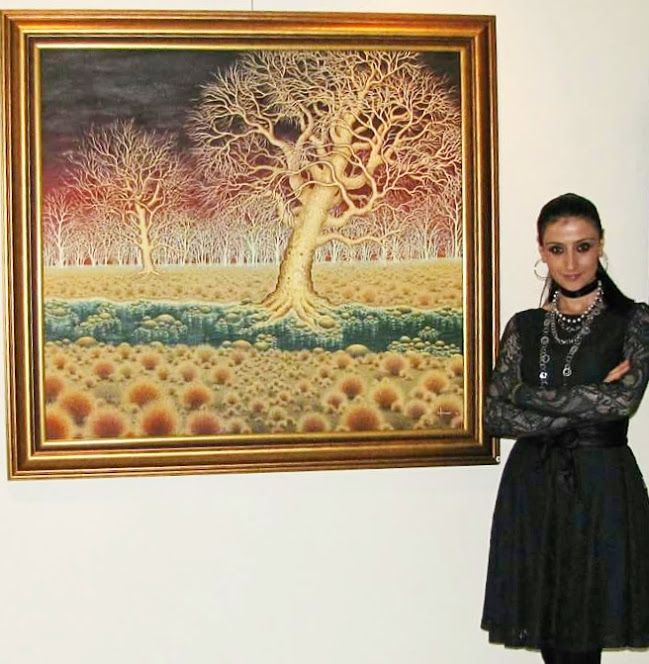 Me and my artwork - oil on canvas.. __Yağlıboya çalışmamla 🎨🖌 #SelmanurAktaşArt / Turkey  #artwork #artist #artlovers #artlife #artoftheday #photooftheday  #resim #yağlıboya #contemporary #ig_art #myart #sanat #ressam #instaart #painting #drawing #oilpainting #canvas #contemporaryart #turkeyartist #artfollowers #iyikisanatvar #sanattakibi #Turkishfollowers #painter #instaartist #artofdrawing #abstractart #illustration