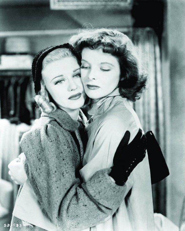 Still of Katharine Hepburn and Ginger Rogers in Stage Door. This is stunning.