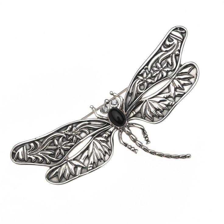 #brochelibelula #dragonfly BROCHE PLATA LIBÉLULA con un ónix en el centro, yo me lo pongo en el pelo. http://www.salvatoreoutlet.com/broche-plata-libelula-zirc-chaton-onix