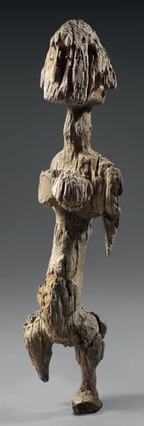 Statuette féminine Bambara - Jo Nyéli - Mali Bois dur érodé - clous de fer - H.: 50 cm Ancienne collection: Ruth Wilner, USA Publication: Arts anciens du Mali - Renaud Vanuxem, Paris 2007 - Eve - 08/12/2014
