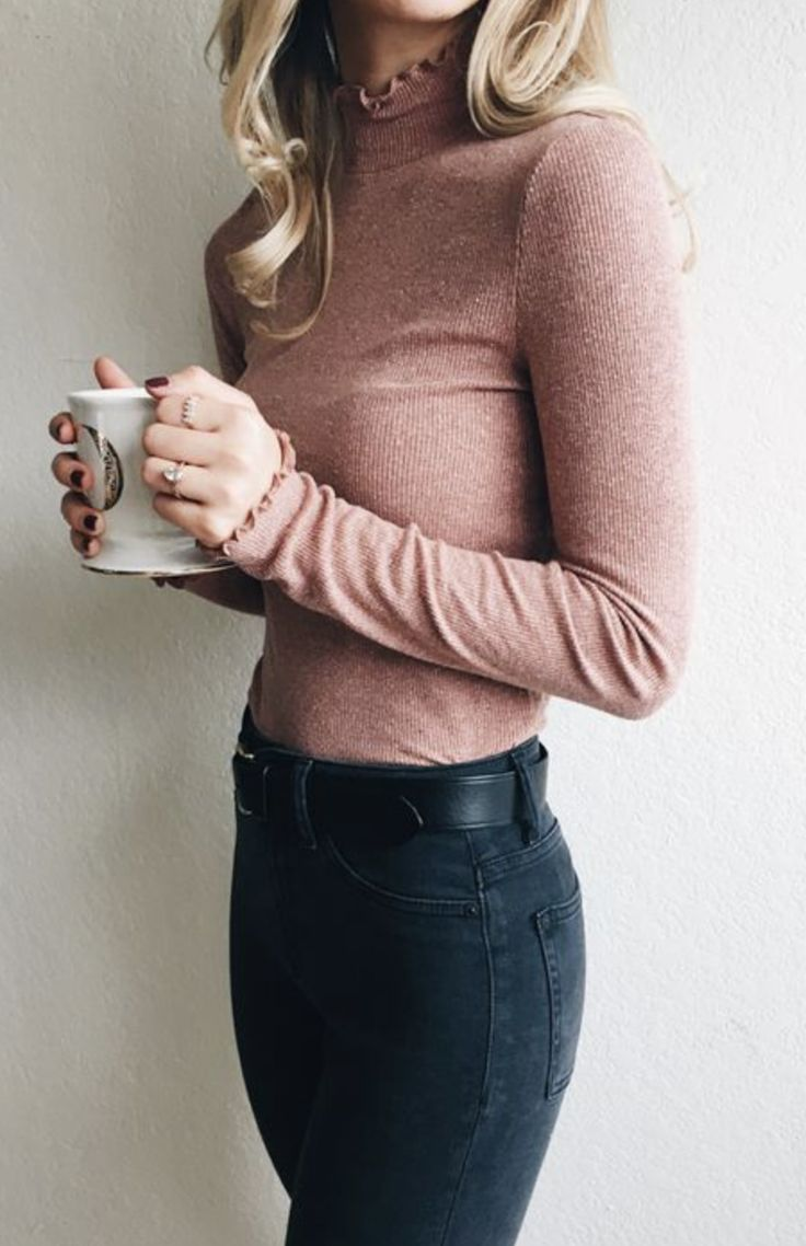 Cute rose pink long sleeve top and dark jeans    Pinterest @ schneider24 Insta @ annette_schneider