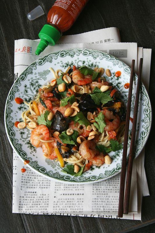 Wok de crevettes, légumes et nouilles - Passion culinaire by Minouchka