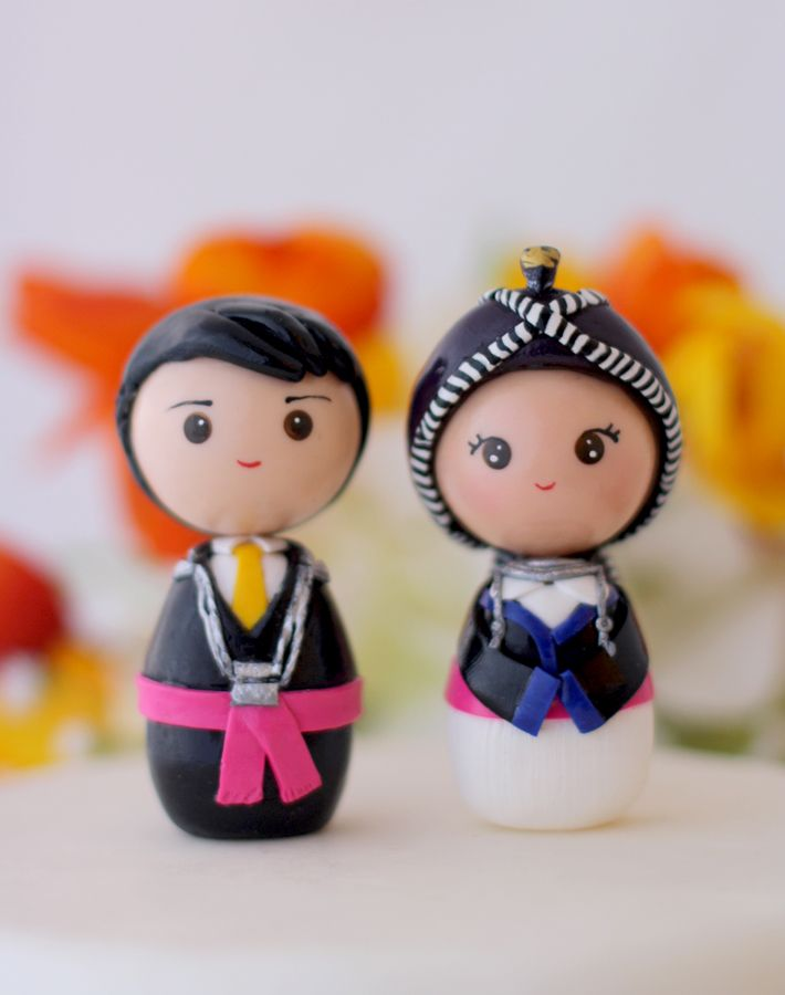 Hmong wedding cake toppers