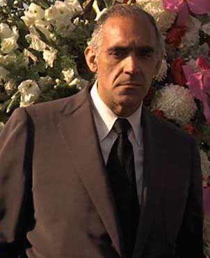 Abe Vigoda (Salvatore Tessio) Şubat 24, 1921 – Ocak 26, 2016 (302×370)