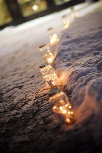 Cozy winter wedding | via Style Me Pretty