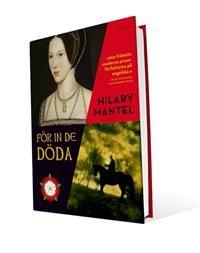 I För in de döda, den andra delen i den trilogi som inleddes med succén Wolf Hall, skildrar Hilary Mantel en av de mest mytomspunna och skrämmande episoderna i den engelska historien: krossandet av Anne Boleyn. Året är nu 1535. Thomas Cromwell, smedens son, är Henrik VIII:s närmaste man. Hans stjärna har stigit jämte Anne Boleyns, hon som blev kungens andra hustru och för vars skull Henrik bröt med Rom. Men Henriks politik har isolerat England och Anne har misslyckats med det hon lovat sin…