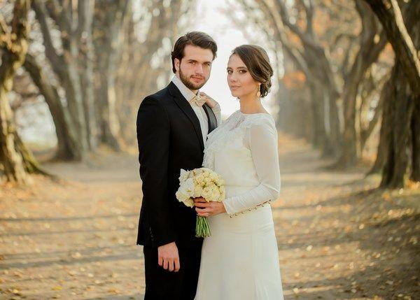 złota sesja ślubna, jesienne zdjęcia ślubne