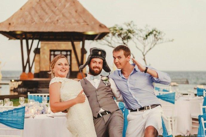 Русская шапка-ушанка пользуется огромной популярностью на Бали