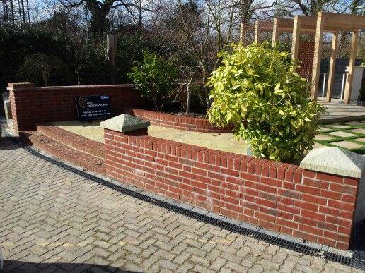 Display garden at sydenham's
