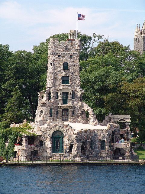 Boldt Castle on Heart Island, Thousand Islands Area, St. Lawrence River, New York; .photo by Guddemischi