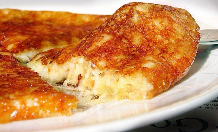 Фриули. Готовится из картофеля, твердого сыра Монтазио и различных добавок (традиционно лука или грудинки, горьковатого красного салата радиккьо или порея)