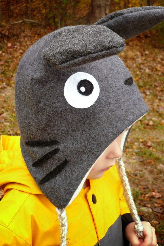 This cute little hat would be the perfect hat to keep your little sprite warm this winter. This Totoro hat is based off of the Miyazaki film Totoro. Even