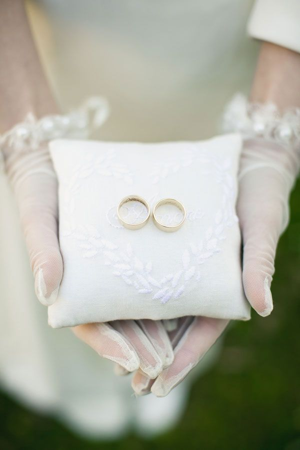 ring pillow. embroidery