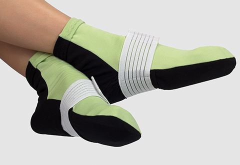 Hot and Cold Pain Relieving Gel Socks / $40 / size S/M
