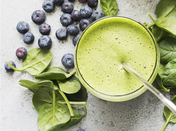 Фруктово-овощные смузи для летних завтраков