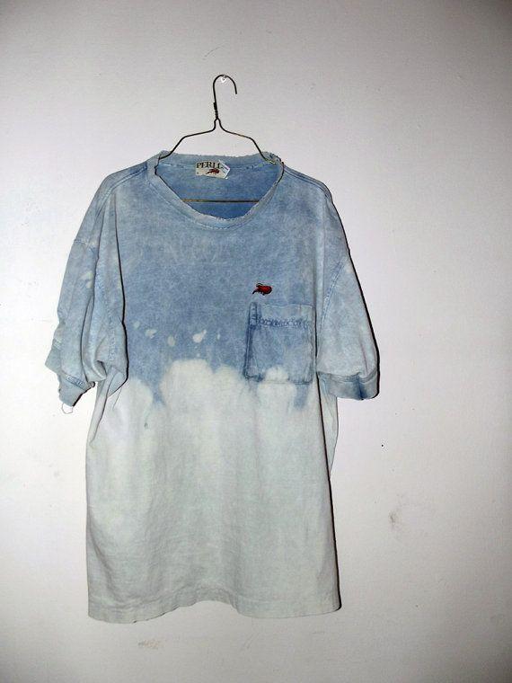 90s fashion. Oversized shirt. Vintage. retro. Hipster. 90s grunge. Boyfriend shirt. Uni-sex t shirt.