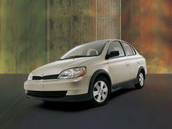 2000–02 Toyota Echo Sedan '1999–2002