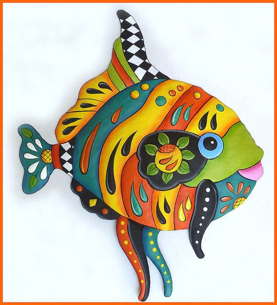 Hand painted metal art tropical fish wall hanging for Funky garden accessories