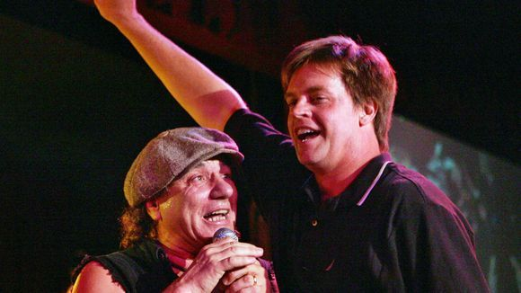 Jim Breuer Absolutely Nails This Impression Of ACDC