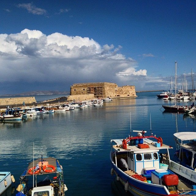 #Heraklion port! #Greece Photo credits: @sarhianakis