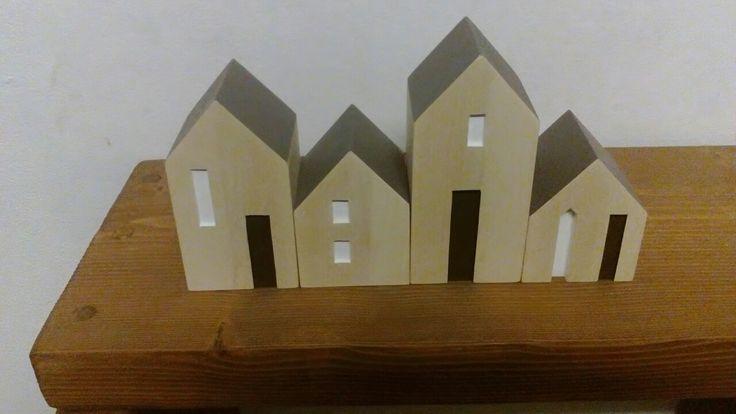 Mini wood house