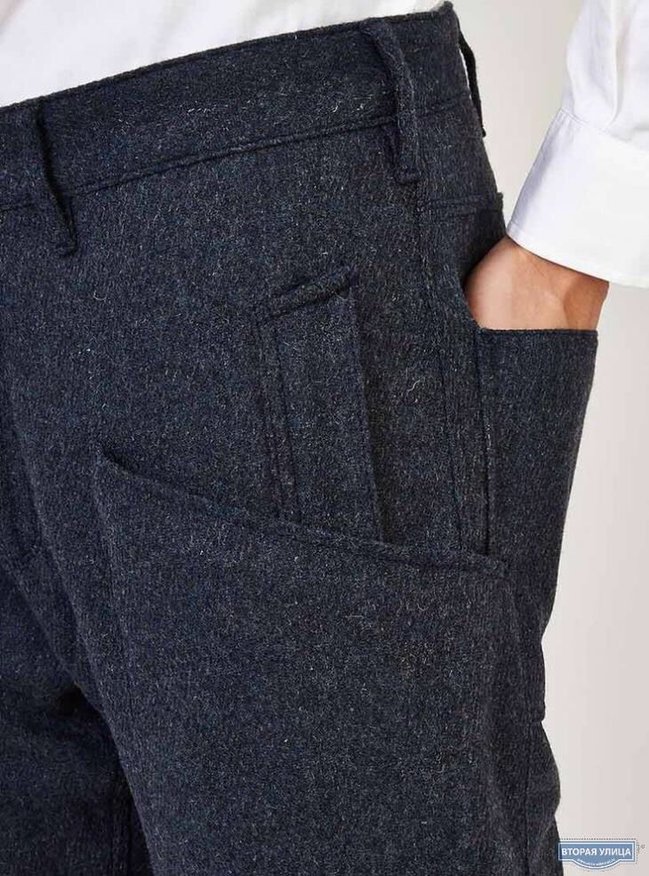 Recreate in a men's trouser with a boyfriend jean fit, keep the pockets like that with patch work in darker or lighter denim