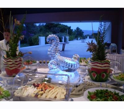 Seahorse....a sculpture that adds elegance at your buffet