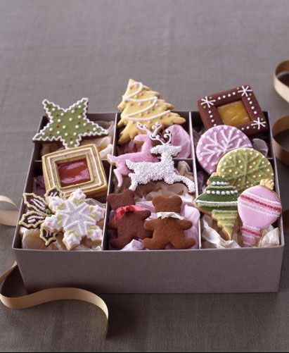 Christmas cookie box.