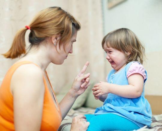 """Między słowami - o tym, co """"mówi"""" do dziecka nasza twarz i ciało"""