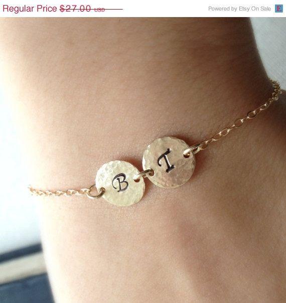 Schöne und elegante zwei Initialen personalisierte Monogramm Armband...    Perfekt für Hochzeit oder jeden Anlass!!    100 % Gold
