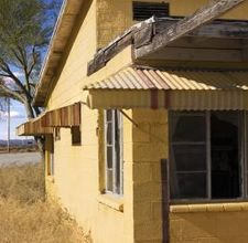 How to Paint Aluminum Awnings