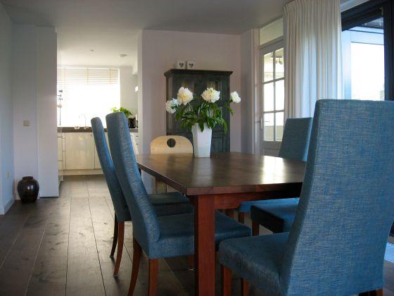 23 beste afbeeldingen over moodboard woonkamer p g op for Paarse eetkamerstoelen