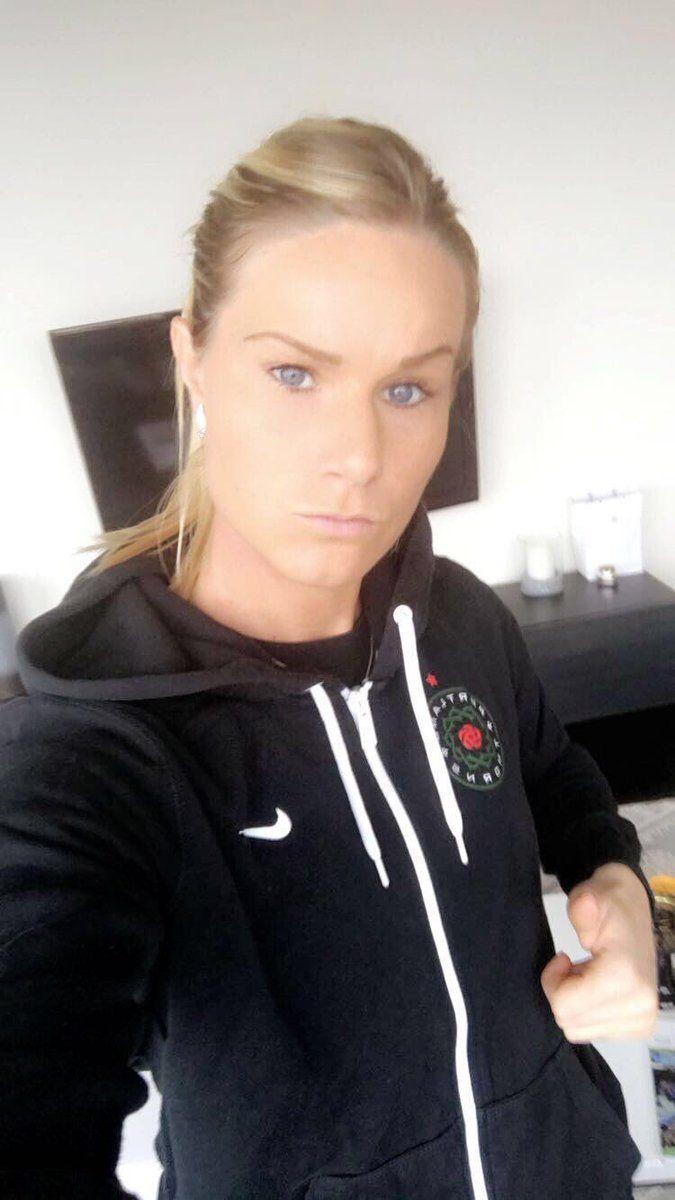 Amandine HENRY: Ready pour le 1er match de préparation   (03.18.2017)