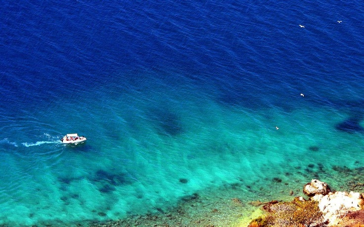 Kefalonia.  Cephalonia or Kefalonia, formerly also known as Kefallinia or Kephallenia is the largest of the Ionian Islands in western Greece.