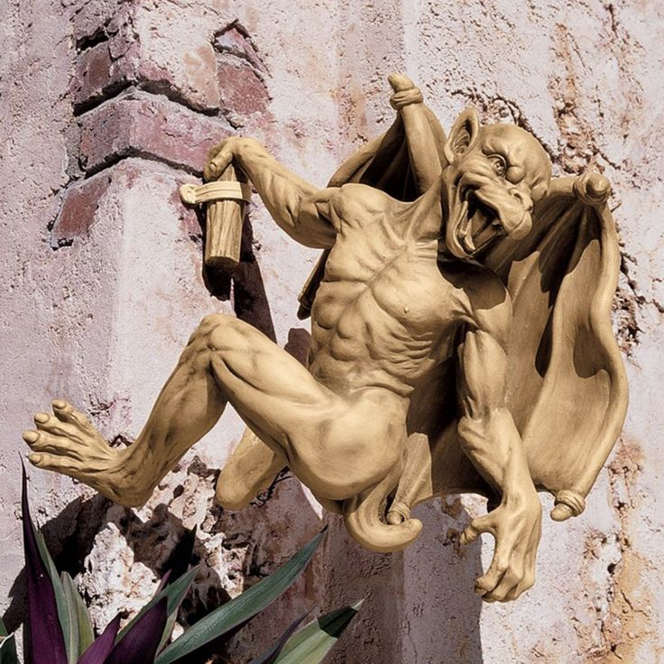 Design Toscano Gaston the Gothic Gargoyle Climber Sculpture - Large - NG32115
