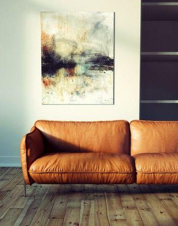 ソファのバックに絵をかけて、モダンな大人の雰囲気も楽しめます。