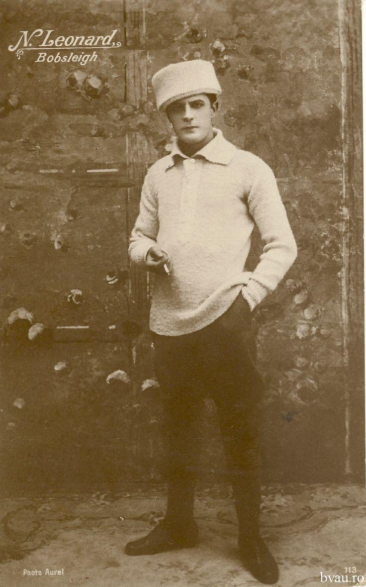 """N. Leonard în """"Bobsleigh"""", România, anul [1924]. Imagine din colecţiile Bibliotecii Judeţene """"V.A. Urechia"""" Galaţi."""